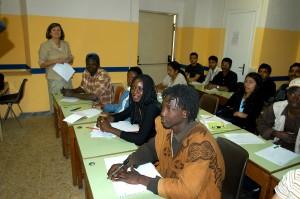 La scuola di italiano per stranieri al centro di ascolto  della Caritas